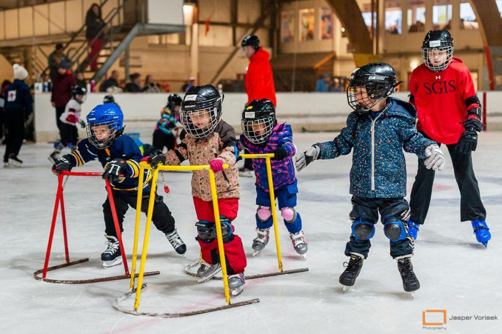 ervaring is niet nodig bij de ijshockeyschool Leiden Lions