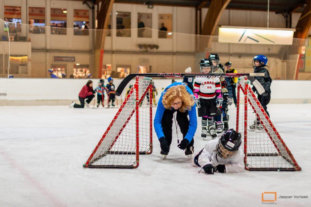 plezier meken bij de ijshockeyschool Leiden Lions